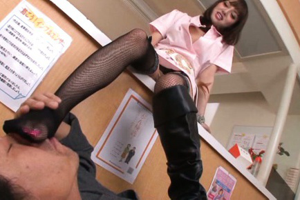 Mao miyabi. Mao Miyabi Asian touches man mouth with feet in and without nylon